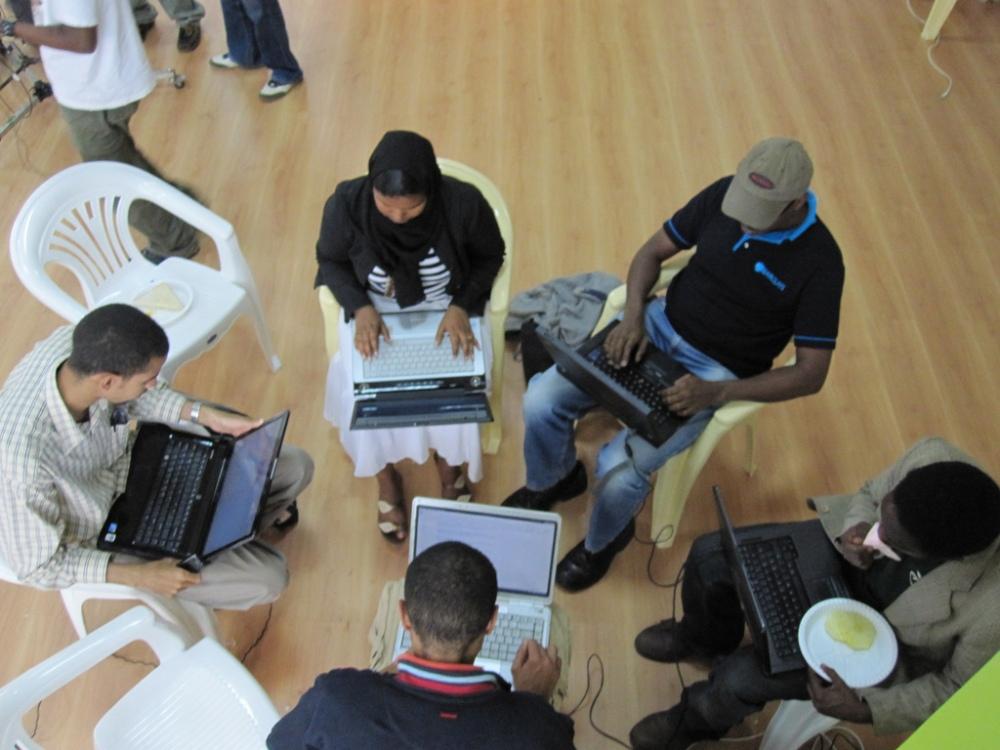 Grupo trabajo en hackathon